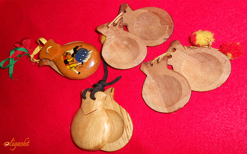 wooden-castanets