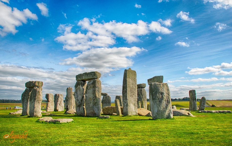 travel guide to Stonehenge