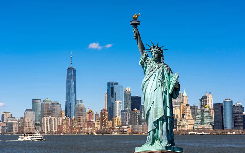 visiting-Statue-of-Liberty