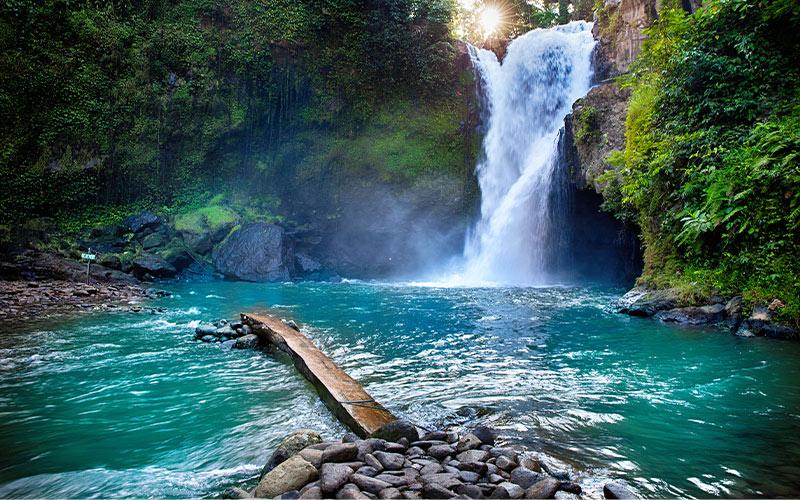 1-Tegenungan-Waterfall